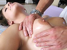 Masseuse jumps on his seduced clients' ass!